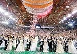 祝福合同結婚式の様子