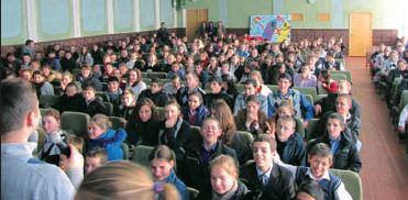 モルドバ:純潔教育に700人以上...