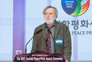 世界平和統一家庭連合公式サイト|受賞したストラーダ博士