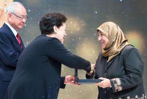 世界平和統一家庭連合公式サイト|受賞したヤクービ博士